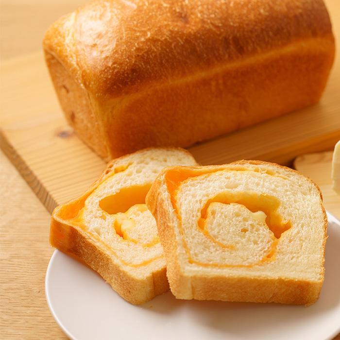 チェダーチーズ食パン