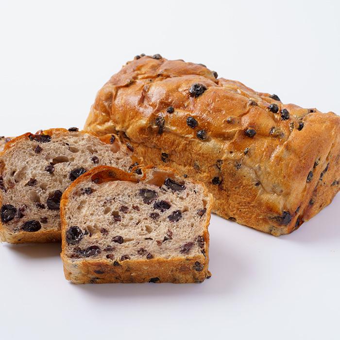 ブルーベリー香るたっぷりレーズン食パン